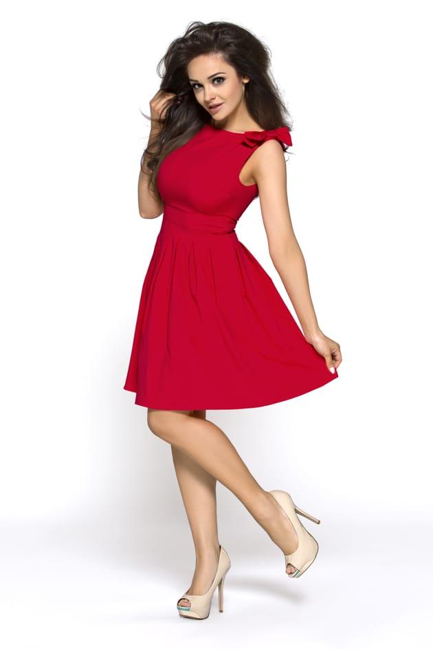 Czerwona sukienka na sylwestra